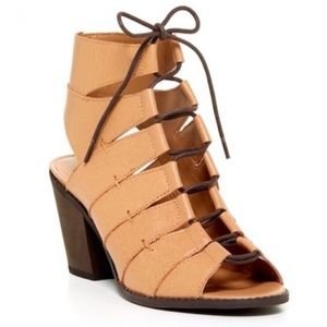 KESLI DAGGER tan lace up chunky heel sandals 8.5M